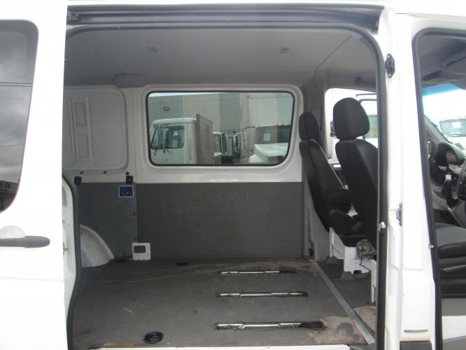 2012 WHITE /GRAY MERCEDES BENZ SPRINTER with an V6 engine, AUTOMATIC transmission, located at 9172 North Fwy C, Houston, TX, 77037, (713) 910-6868, 29.894211, -95.411324 - Photo #15
