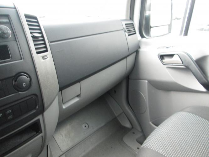 2012 WHITE /GRAY MERCEDES BENZ SPRINTER with an V6 engine, AUTOMATIC transmission, located at 9172 North Fwy C, Houston, TX, 77037, (713) 910-6868, 29.894211, -95.411324 - Photo #20