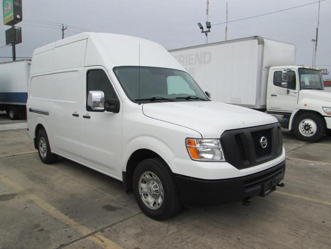 2018 WHITE /GRAY NISSAN NV CARGO VAN 2500 with an V6 engine, AUTOMATIC transmission, located at 9172 North Fwy C, Houston, TX, 77037, (713) 910-6868, 29.894211, -95.411324 - Photo #0