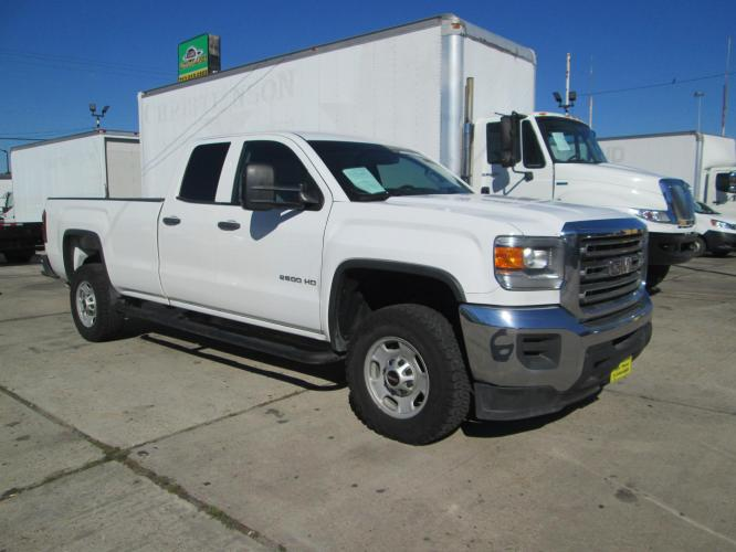 2015 WHITE /GRAY GMC SIERRA 2500 HD with an V8 engine, AUTOMATIC transmission, located at 9172 North Fwy C, Houston, TX, 77037, (713) 910-6868, 29.894211, -95.411324 - Photo #0