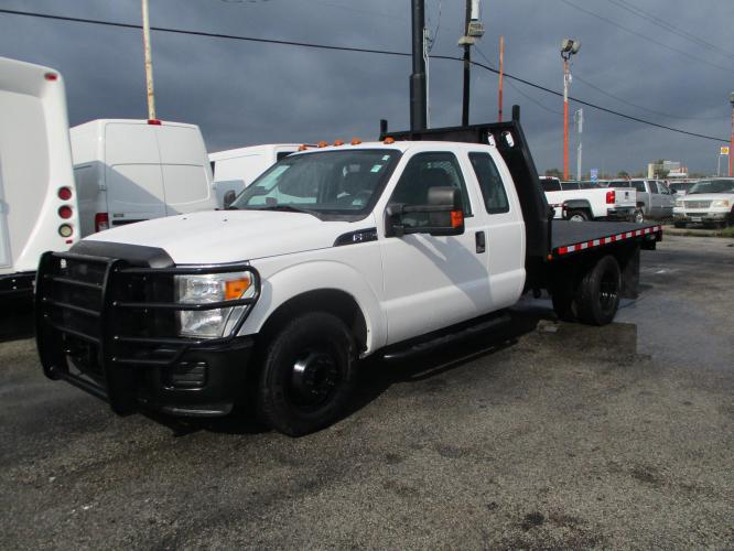 2011 FORD F-350 FLATBED 10' FEET LONG