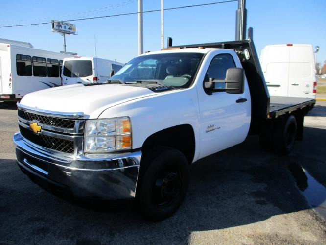2013 WHITE /GRAY CHEVROLET C-3500 with an V8 engine, AUTOMATIC transmission, located at 9172 North Fwy C, Houston, TX, 77037, (713) 910-6868, 29.894211, -95.411324 - Photo #0